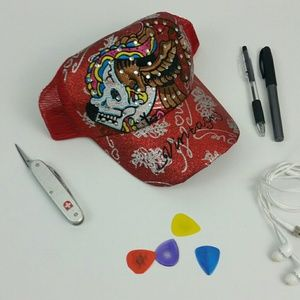 Vintage skull sequined and sparkled Snapback cap